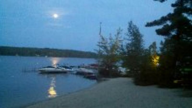 beautiful-night-at-camp